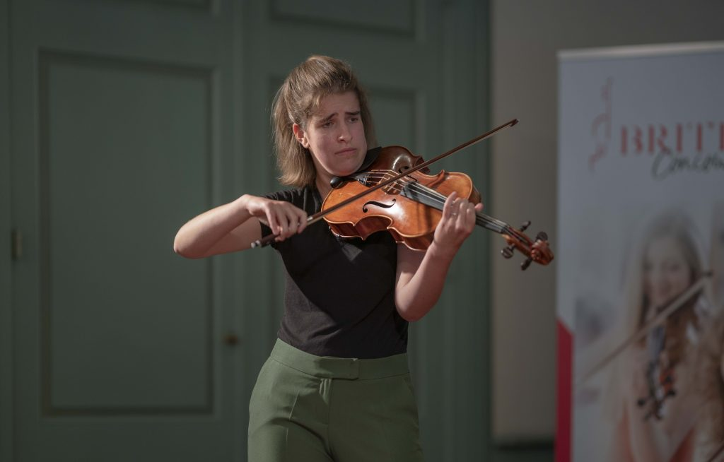 Elin Haver wint 2e prijs Britten Altvioolconcours 2021, Categorie II (Foto: Marco Slot)